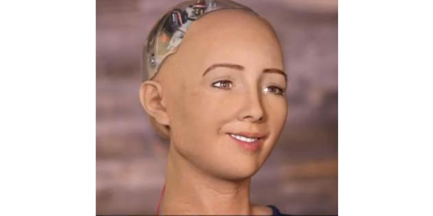 ROBOT SOPHİA AİLE İSTİYOR!