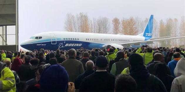 Boeing, 737 MAX krizinin gölgesinde serinin MAX 10 modelini piyasaya sürüyor