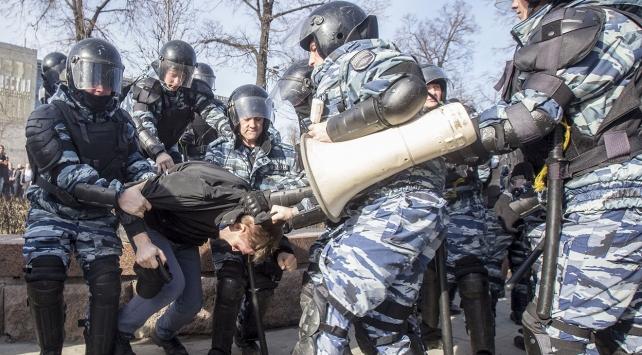 ABD, Rusya'daki gözaltıları kınadı