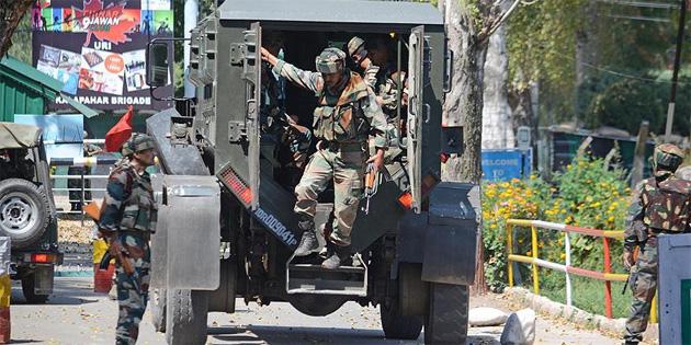 Hindistan-Pakistan s�n�r�nda �at��ma: 2 �l� 8 yaral�
