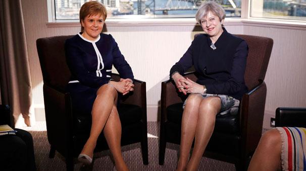 'Brexit'i boşver bacak yarışını kimin kazandığına bak'