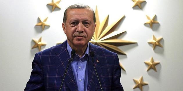 """""""İstanbul'un fethi ibretlerle dolu bir zaferdir"""""""