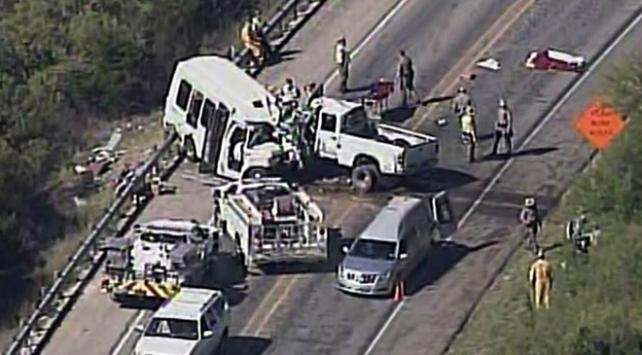 ABD'de feci kaza: 12 ölü, 3 yaralı