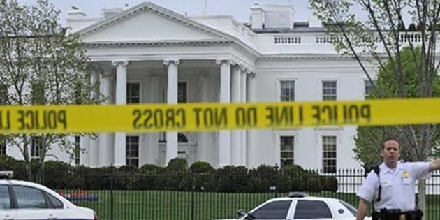 Beyaz Saray'da '��pheli paket' alarm�!