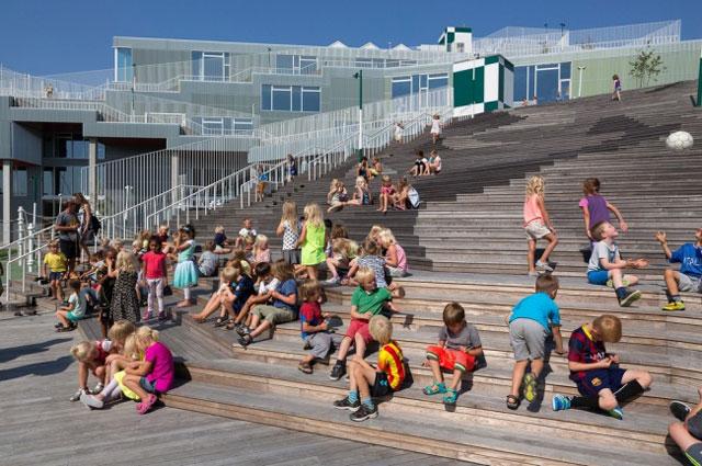 Dünyanın en mutlu öğrencileri Danimarka'da