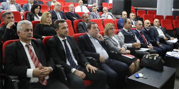 Denktaş, Sigorta ve Reasürans Şirketler Birliği'nin düzenlediği toplantıya katıldı