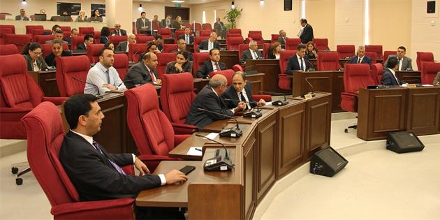 Bugün Cumhurbaşkanlığı, Meclis Başkanlığı ve Başbakanlık bütçeleri görüşülecek