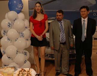 """HYUNDAİ BAŞKAN VE CEO'SU KİM """"ELİT BAYİ"""" ASOK'U ZİYARET ETTİ"""