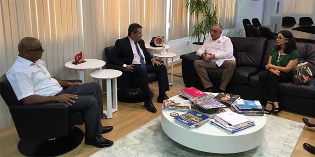 Dışişleri Bakanı Ertuğruloğlu KTOB heyetini kabul etti