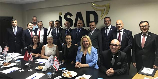 TC Lefkoşa Büyükelçisi Ali Murat Başçeri ve ekonomiden sorumlu heyeti İŞAD'ı ziyaret etti