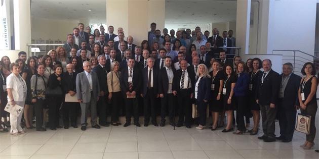 Hür-İş Antalya'da kongreye katıldı