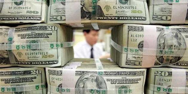 Dolar, Fed tutanakları öncesi geriliyor