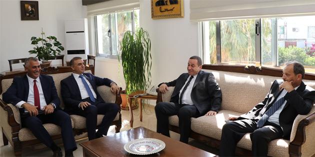 Denktaş, Türkiye'den gelen teknik heyeti kabul etti