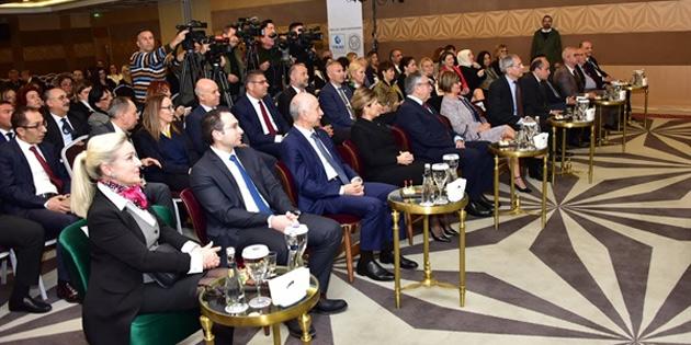 """""""Türkiye ve KKTC yatırım ve iş birliği konferansı"""" devam ediyor"""