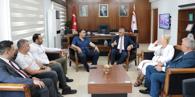 Maliye Bakanı Amcaoğlu, KTAMS ve Kamu-Sen yetkilileri ile görüştü