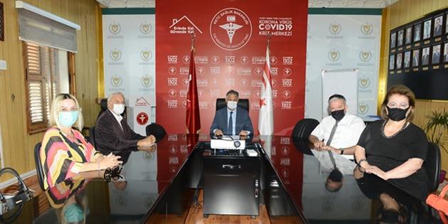 Türkiye İş Bankası Aş. Emekliler Derneği'nden sağlığa 10 bin TL