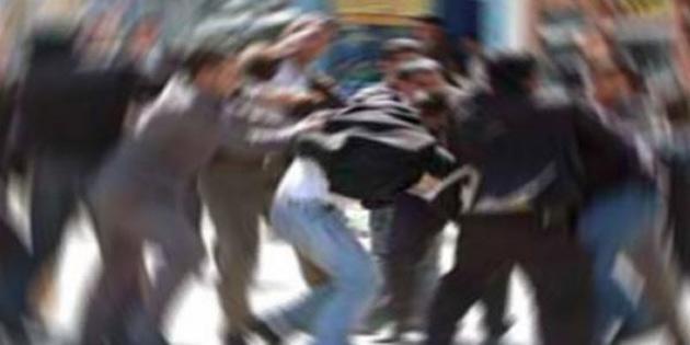 Lefkoşa Atatürk Caddesinde iki grup tartıştı, iki kişi yaralandı