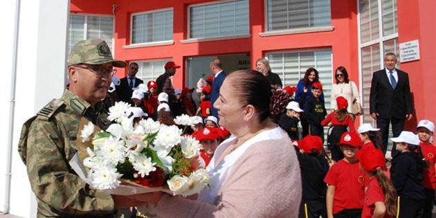 GKK Komutanı Tuğgeneral Er ve Şht. Tuber İlkokulu öğrencileri Radyo Güven'i ziyaret etti