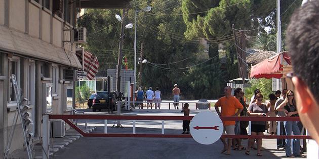 Ledra Palas geçişlere kapatıldı!