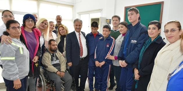 Trenyolu Polikliniği'nde engelli hastalara ağız ve diş sağlığı hizmeti verildi