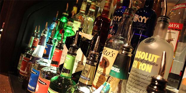 Girne'de içki satış ruhsatları 2 Mart'a kadar yenilenecek