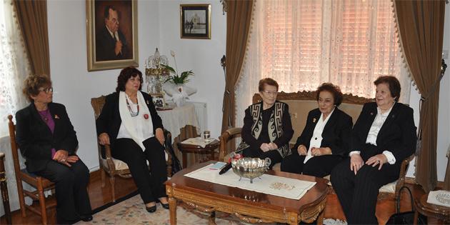 Kıbrıs Türk Kadınlar Birliği, Süheyla Küçük'ü ziyaret etti