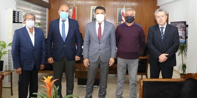 Maliye Bakani Oğuz, Şehit Aileleri ve Malul Gaziler Derneği yetkililerini kabul etti