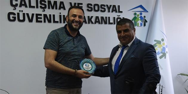 Çalışma Bakanı Çeler, engelli derneklerini kabul etti