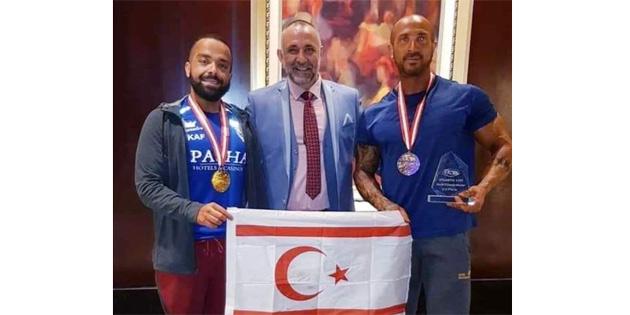 Ekonomi Bakanı Taçoy, Özekmekçi ve Sarıtaş'ı kutladı