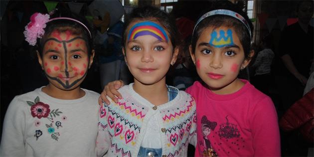 Girne Belediyesi'nin yarıyıl şenliği kapsamında bandabuliya'da çocuk partisi düzenlendi