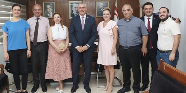 Maliye Bakanı Amcaoğlu, Kıbrıs Türk Televizyonları Birliği heyetiyle görüştü