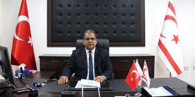 Sucuoğlu, basının ülkede demokrasinin, çok sesliliğin ve özgürlüklerin gelişmesinde çok önemli bir işlev gördüğünü vurguladı