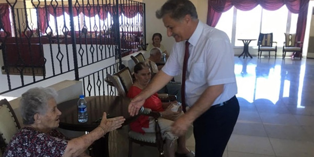 Sağlık Bakanı Pilli, bayram öncesi Kalkanlı Yaşam Evini ziyaret etti