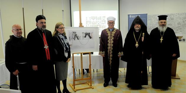 5 dinin temsilcileri ara bölgedeki etkinlikte biraraya geldi