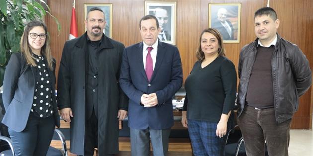 Denktaş, Umut Otizm Derneği Başkanı Özerdem ve yönetim kurulu üyelerini kabul etti