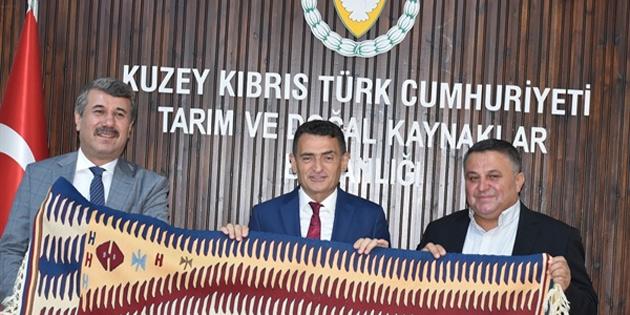 Tarım Bakanı Oğuz, Anamur Belediye Başkanı Kılınç'la görüştü