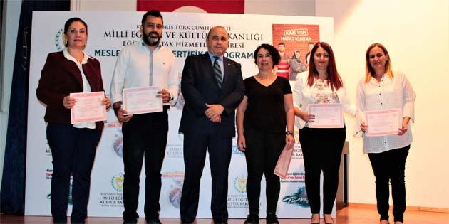 Mesleki gelişim sertifika programlarının ikincisi tamamlandı