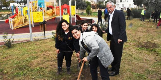 Kervansaray Çocuk Parkı'nda ağaç dikimi gerçekleştirildi