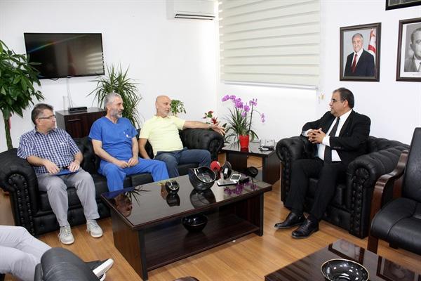 """Çalışma ve Sosyal Güvenlik Bakanı Sucuoğlu hekimleri kabulünde, genel sağlık sigortası'nın """"Olmazsa olmaz"""" olduğunu vurguladı"""