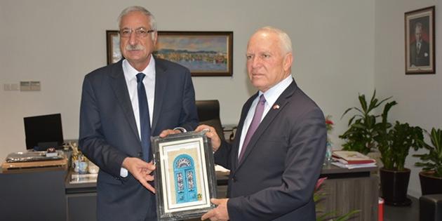 Töre, Girne Belediye Başkanı Güngördü'yü ziyaret etti