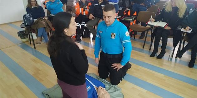 Sivil Savunma personeline temel ilk yardım eğitimi