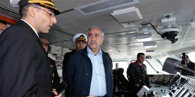 Cumhurbaşkanı Akıncı, Büyükada Korvetini ziyaret etti