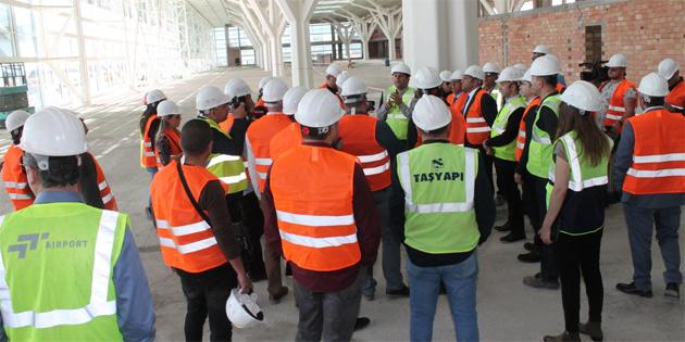 Bayındırlık ve Ulaştırma Bakanlığı, gazeteciler için yeni Ercan Havalimanı inşaatında bilgilendirme turu düzenlendi