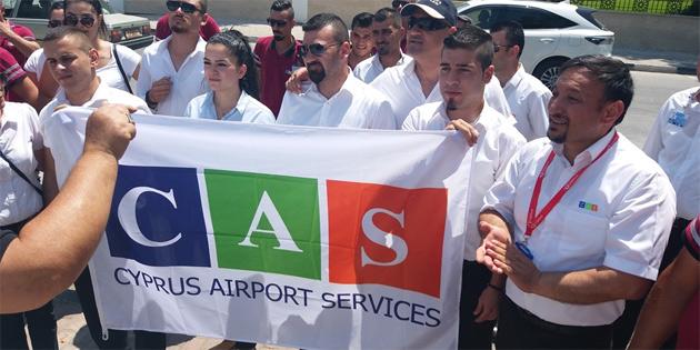 CAS çalışanları meclis önünde eylem yaptı