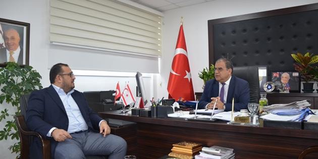 Faiz Sucuoğlu Kıbrıs Türk Otelciler Birliği Başkanı Çağıner'i kabul etti