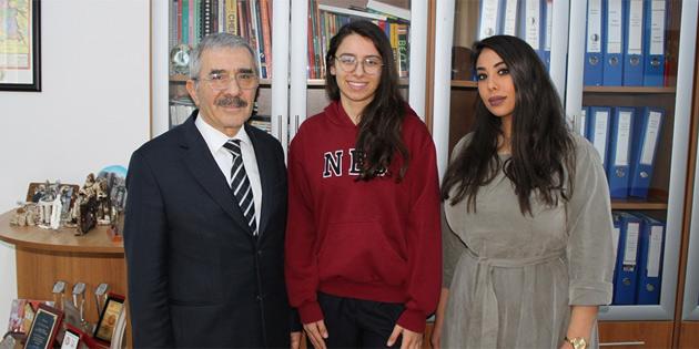 YDK öğrencisi Kıvılcım Igcse sosyoloji sınavından Kıbrıs genelinde en yüksek notu aldı