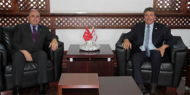 Büyükelçi Başçeri Bakan Üstel'i ziyaret etti