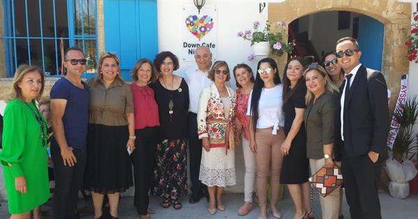 Down Cafe Nicosia, Lefkoşa'da bulunan tanzimat sokak'ta hizmete girdi…Açılış Meral Akıncı tarafından  yapıldı