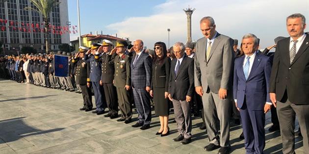 15 Kasım Cumhuriyet Bayramı İzmir'de de kutlandı