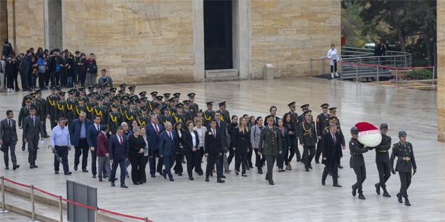 KKTC Ankara Büyükelçisi Anıtkabir'i ziyaret etti